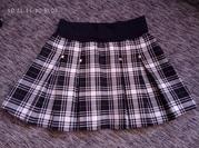 красивая и удобная школьная юбочка here there