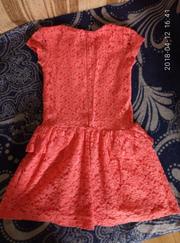 очень красивое гипюровое платье breeze girls на рост 134